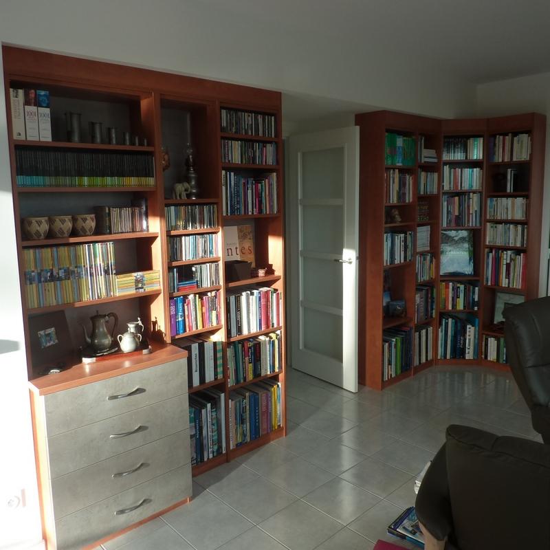 Bibliothèque en angle