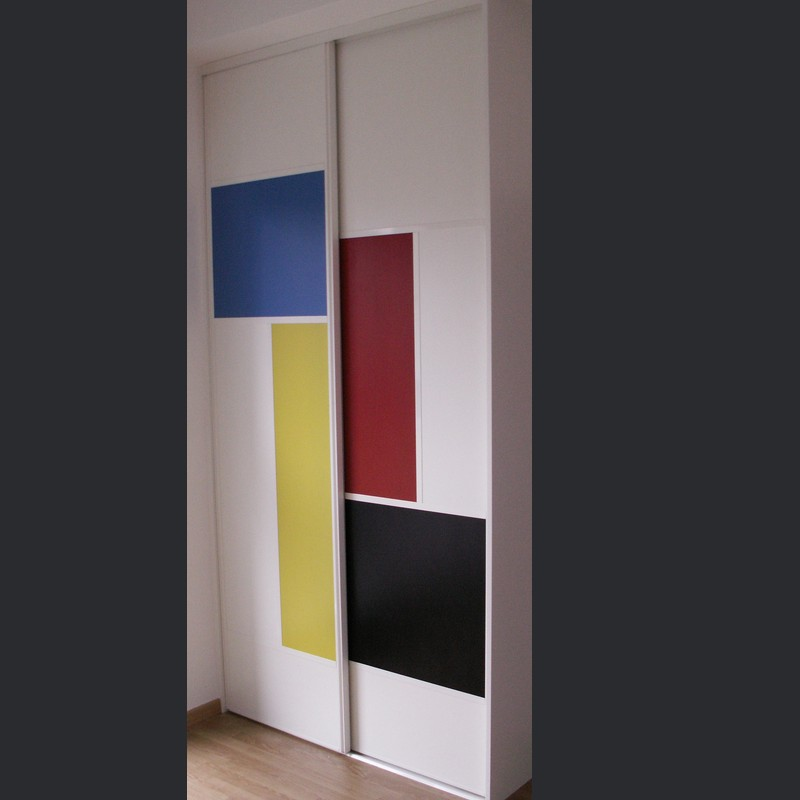 Façade de placard sur-mesure motifs asymétriques