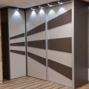 Portes de placard sur mesure pour une chambre